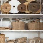 50 arches obchod s bytovými doplnkami z ľanu a dreva, drevené a ľanové dekorácie