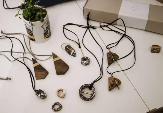 Woodbug Autorské výtvarné, úžitkové objekty a šperky zo starého dreva a nábytku.
