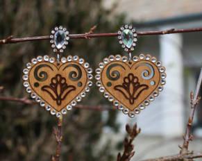 Retro Bijou - slovenský dizajnový drevený šperk, Kombinácia výšivky
