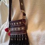 Výrobky z kože Lipták - tvorba zahŕňa ručne šité výrobky z kože, kabelky, opasky, ľudové kožúšky