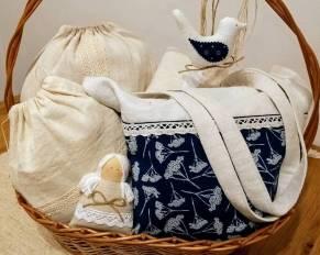 352626870 Oravské – veci užitočné i pre radosť. Staré, ručne tkané plátno, pravá  modrotlač